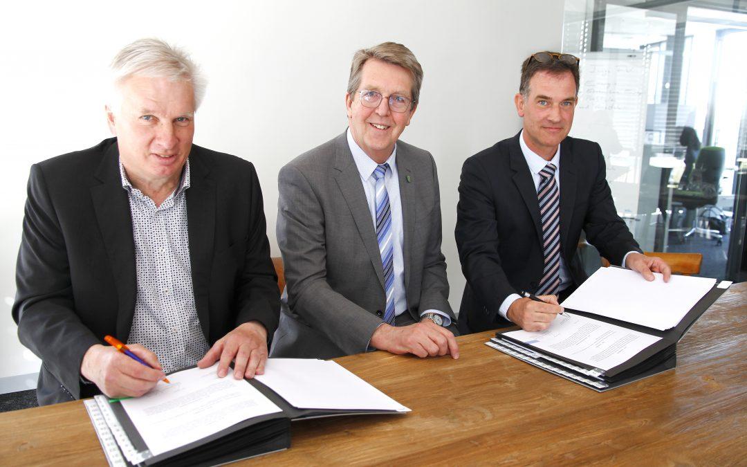 Stadtwerke Traunreut und Energienetze Bayern besiegeln enge Zusammenarbeit