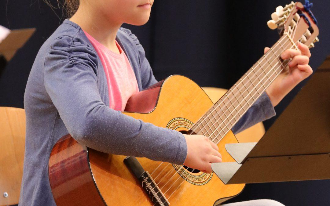 Musikinstrumente ausprobieren – Trauminstrument testen – anmelden
