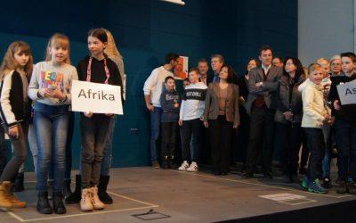Traunreuter Gymnasium und Realschule mit Fairtrade Titel ausgezeichnet