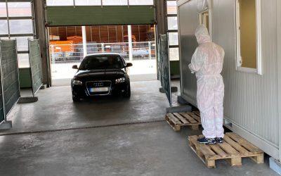 COVID-19-Testzentrum im Kreisbauhof in Litzlwalchen in Betrieb