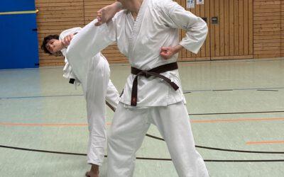 Trainingsstart für Karate und Taiji Quan beim TuS Traunreut