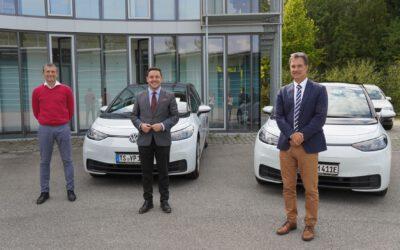 Stadtwerke Traunreut verstärken ihre E-Flotte – E-Mobilität sinnvoll dank lokaler, nachhaltiger Stromerzeugung